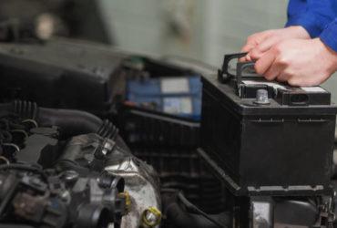 زمان تعویض باتری ماشین | از کجا بفهمم که باتری ماشینم خراب است؟