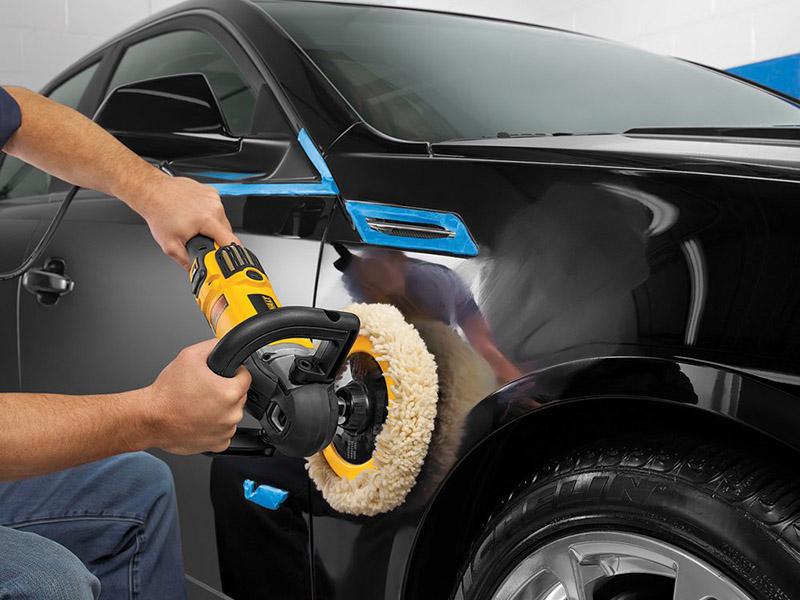 ماشینهای رنگ مشکی دائما به پولیش و واکس نیاز دارند و تنها با شست و شو، ظاهری براق و درخشان به خود نمیگیرند.