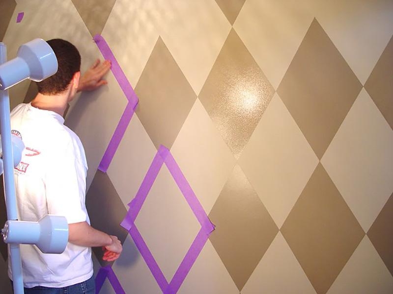 آموزش رنگ آمیزی منزل با طرح لوزی و خطوط شکسته