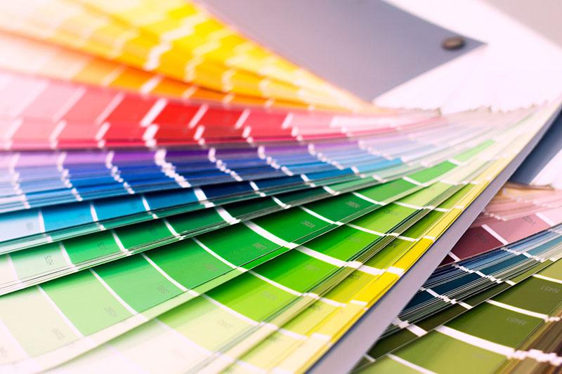 رنگهای متفاوت میتوانند اثرات ذهنی مثبت و منفی مختلفی بر افراد داشته باشند.