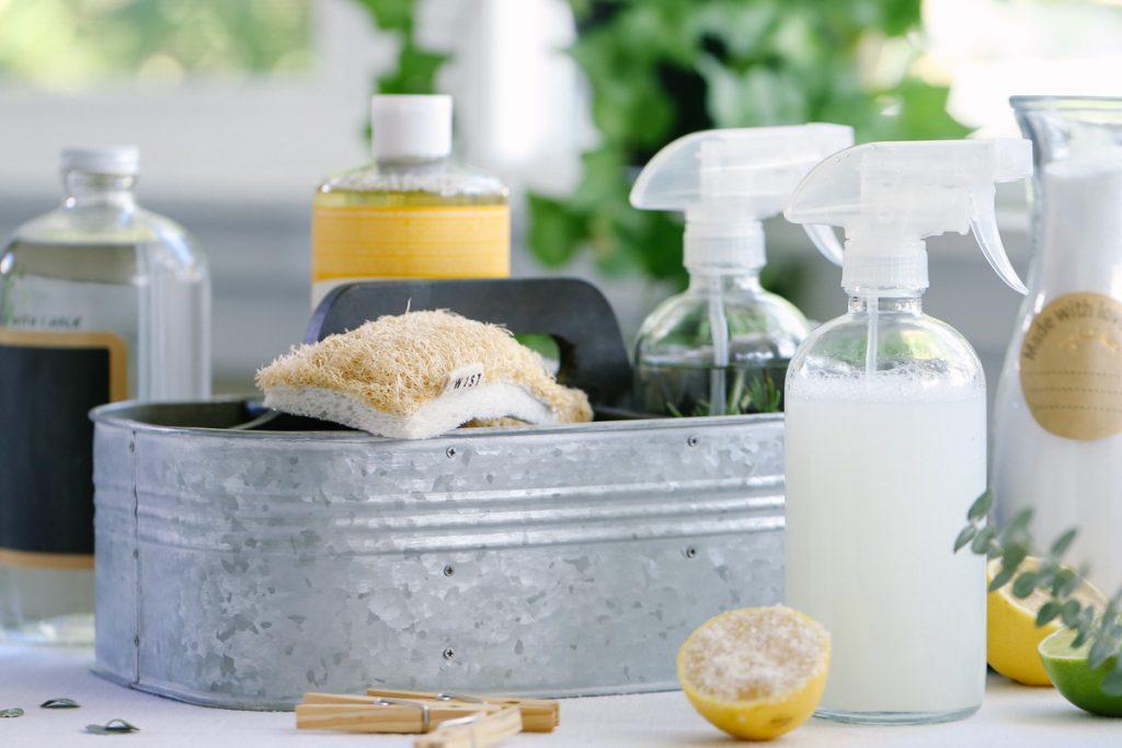 مواد طبیعی برای تمیز کردن خانه - چطور خانه را با مواد طبیعی تمیز کنیم؟