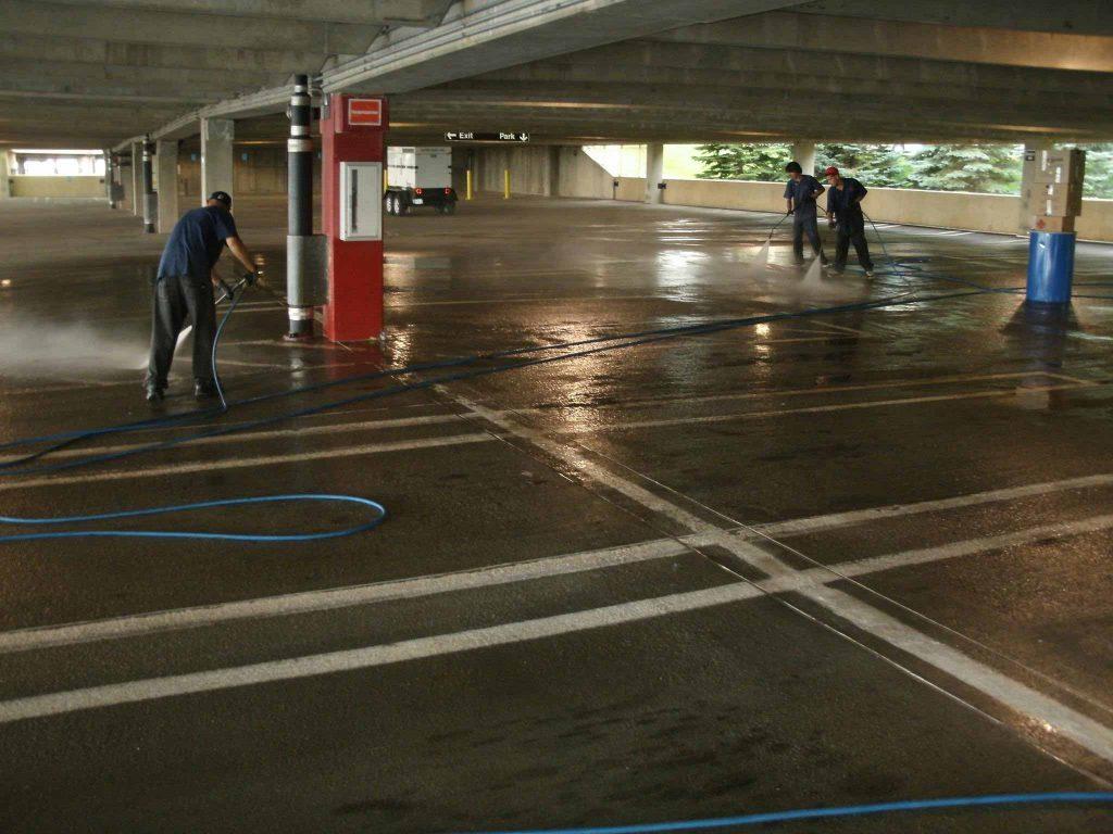 راهکارهای نظافت پارکینگ منزل و شست و شوی آن
