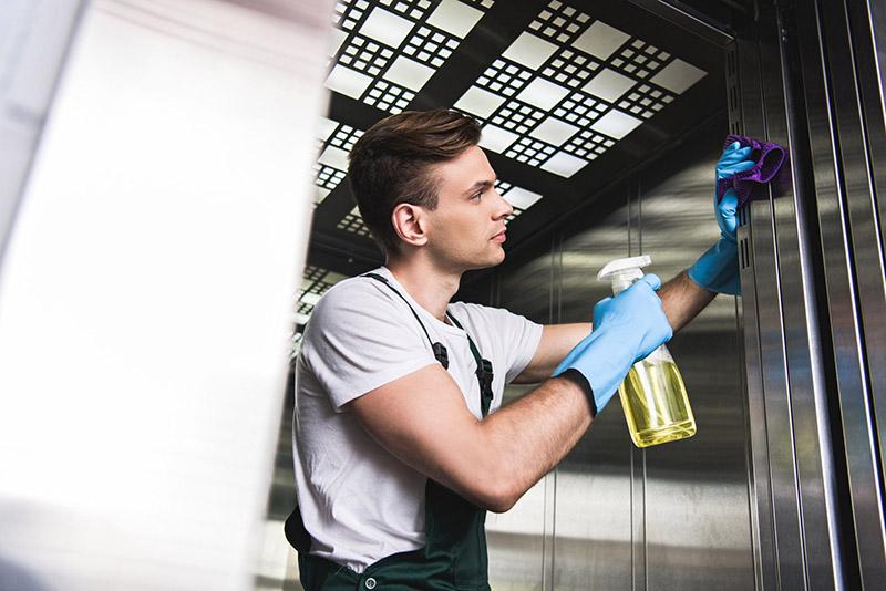نظافت محل های رفت و آمد کارمندان | نظافت مشاعات ساختمان اداری | نظافت آسانسور در محیط کار | نظافت راهرو ساختمان شرکت | اصول نظافت راه پله و مشاعات ساختمان اداری