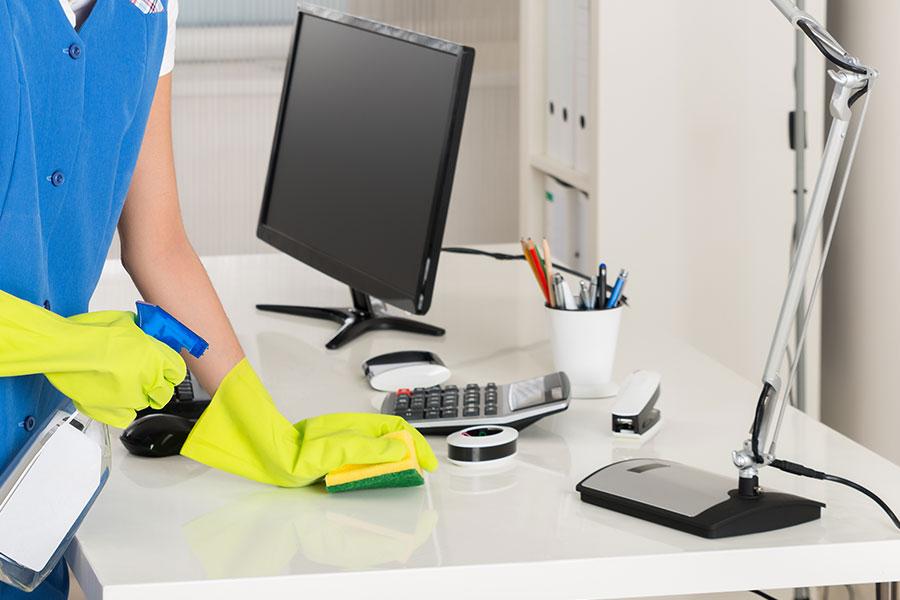 تمیز کردن شرکت به صورت روزانه