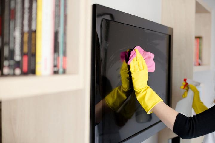 هرگز تمیز کردن تلویزیون را در کارهای خانه تکانی عید نوروز فراموش نکنید