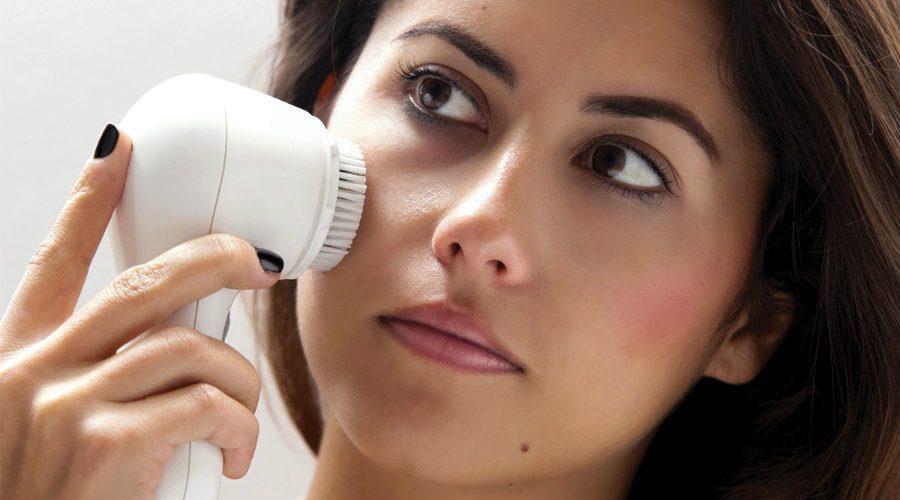 راهنمای کامل و روشهای آبرسانی و جوانسازی پوست