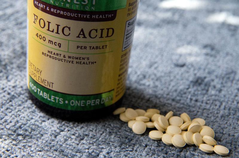 فولیک اسید یکی از داروهایی است که مصرف آن از قبل از آغاز دوره بارداری نیز توصیه می شود