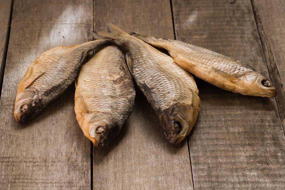 ماهی دودی از جمله موارد ممنوعه برای دوره بارداری است
