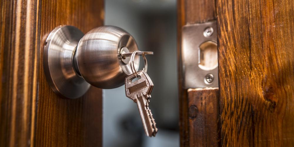 مزایا و معایب نصب قفل برقی چیست؟ ویژگیهای نصب قفل برقی