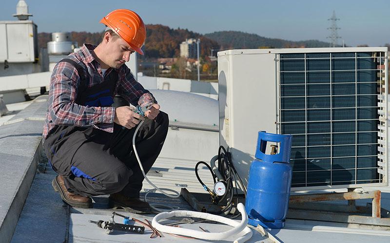چرا کولر گازی باد گرم می زند، باد گرم کولر گازی، علت باد گرم زدن کولر گازی