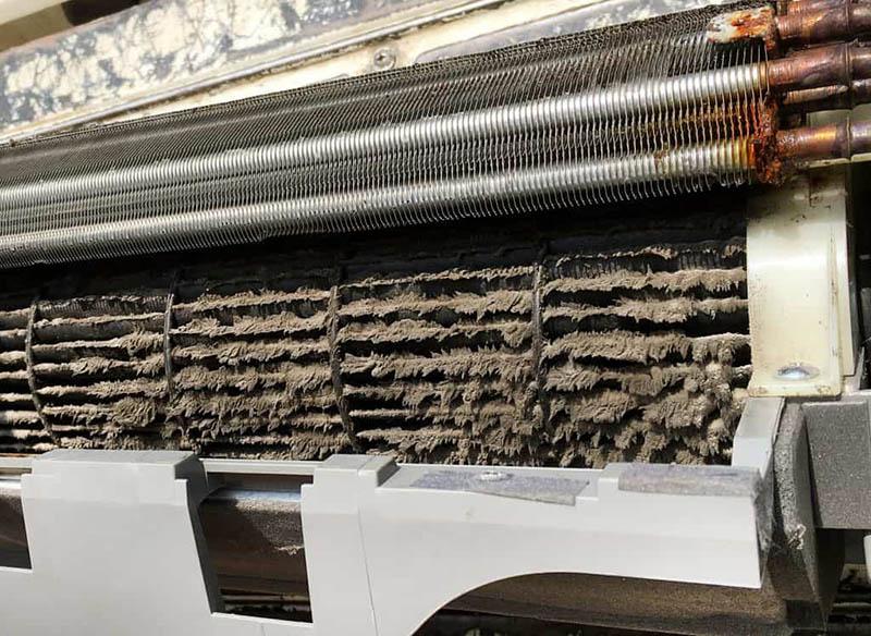اشکال در کویل های اواپوراتور کولر گازی از دلایل یکسره کار کردن کولر گازی است