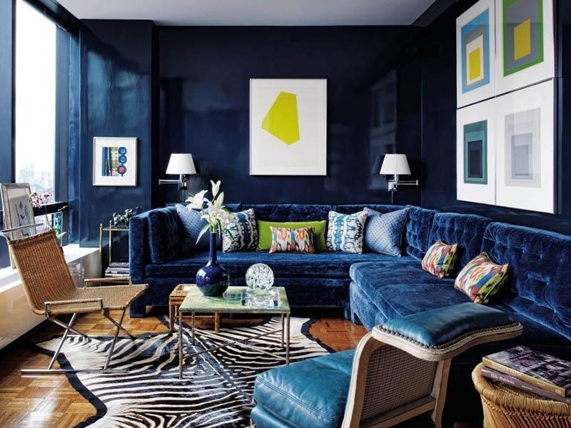 اگر فضای اتاق یا خانه شما کوچک است پیشنهاد ما استفاده از انواع مبل راحتی ال شکل در گوشه خانه است.
