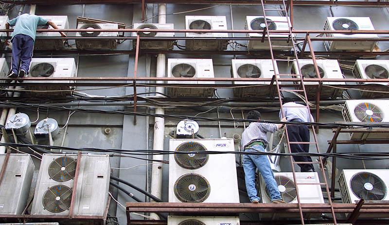 یکی از سرویس های به ظاهر غیرمعمول اما در واقع معمول کولر گازی، جمع کردن گاز کولر گازی است