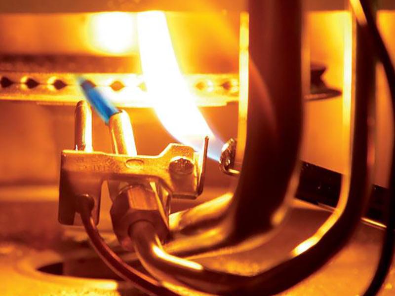 یکی از دلایل اینکه چرا بخاری یکدفعه خاموش میشود کثیف بودن مسیر گاز ورودی به مشعل دستگاه است.