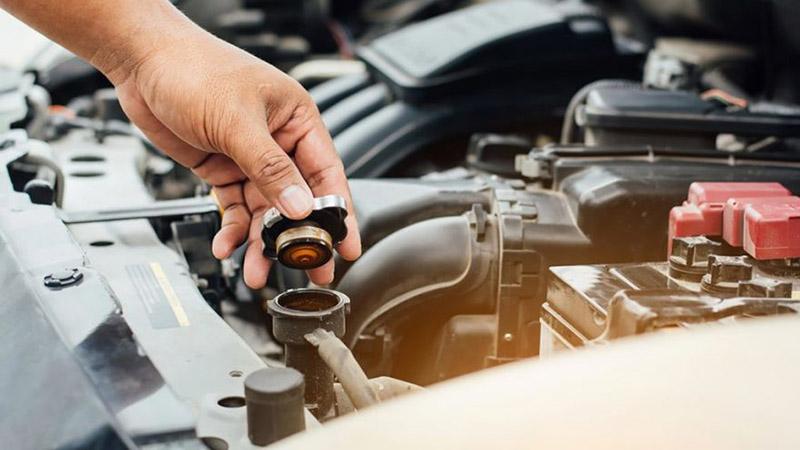 اگر علاقه مند هستید که گاهی آچار دست بگیرید و خودتان خودرو را سرویس کنید با روش تعویض آب رادیاتور آشنا خواهید شد