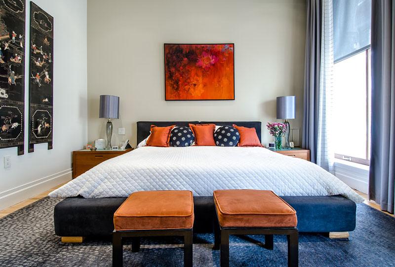 مدل یک تخت خواب میتواند محوری برای چیدمان سایر قسمتهای اتاق باشد.