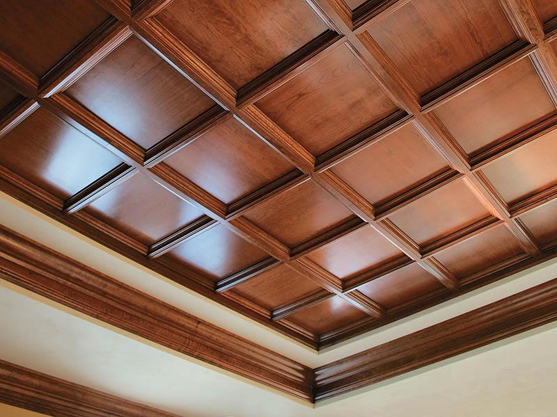 طراحی کلاسیک سقف کاذب صندوقی، از معماری رومی و یونانی برگرفته شده است.
