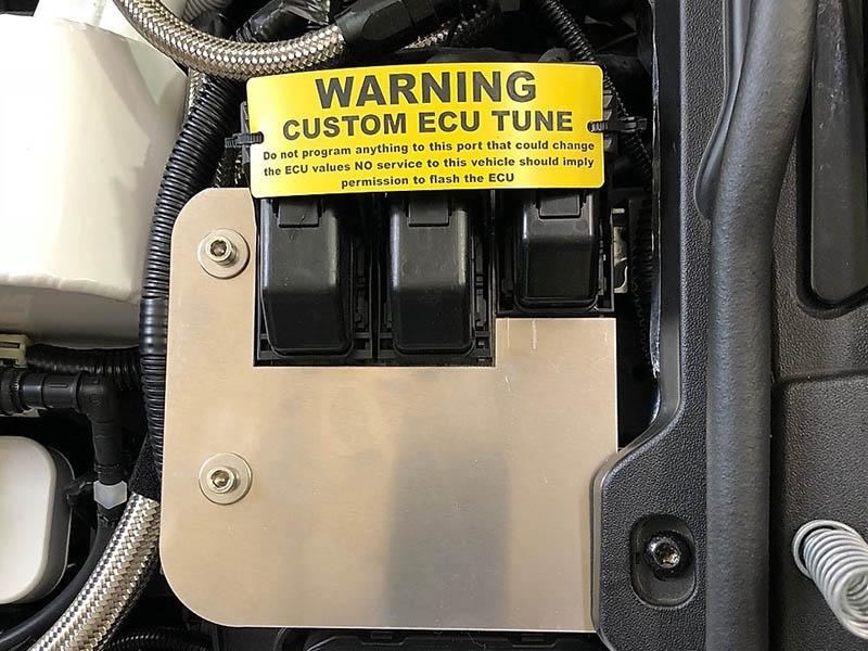 ای سی یو از مجموعهای از سنسورهای متصل به موتور ساخته شده است که در هر لحظه وضعیت موتور را به خوبی بررسی میکنند