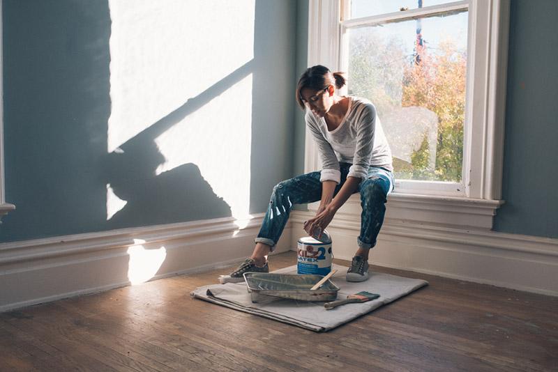 نقاشی دیوارهای خانه روش فوقالعادهای برای پوشاندن نقصها و ایرادات دیوار است