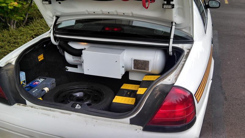 در خودروهایی که به صورت فابریک دوگانه سوز هستند همه چیز از قبل برای گازسوز بودن خودرو اماده شده است.