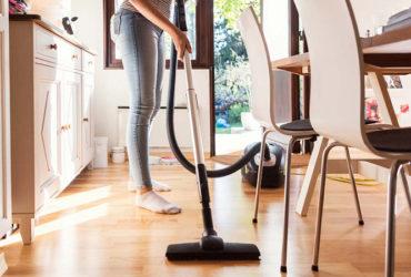 آموزش گام به گام تمیزکردن جاروبرقی و اجزای آن در ۵ مرحله