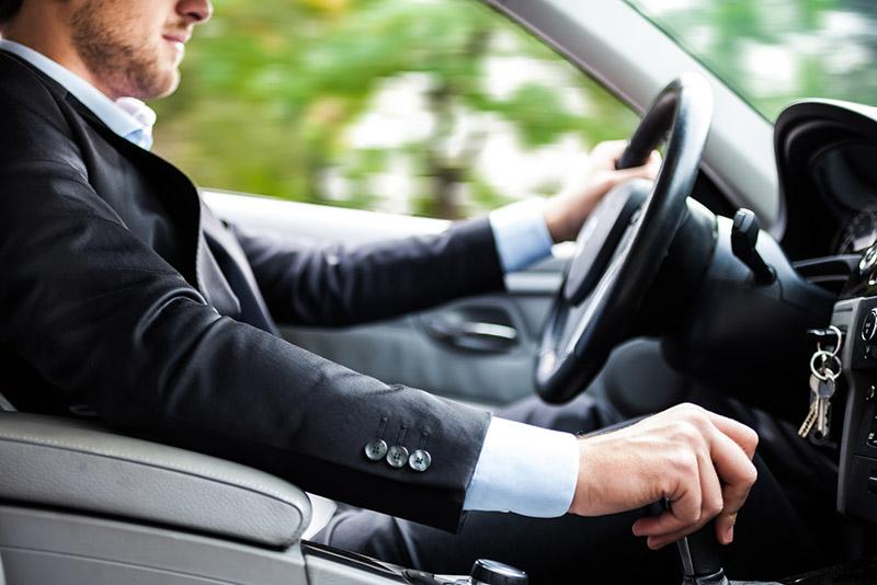 رانندگی به وسیله کلاچ برقی بسیار راحتتر است.