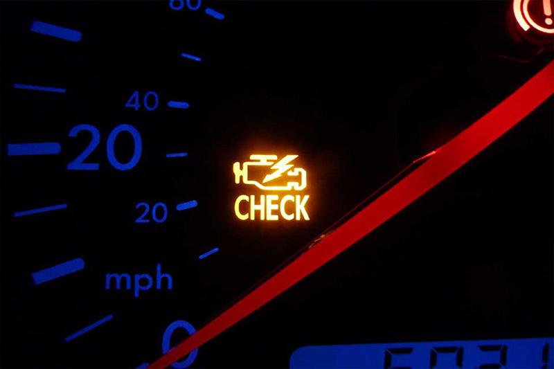 مشکلات فیلتر سوخت میتواند باعث شود که چراغ بررسی موتور روشن شود.