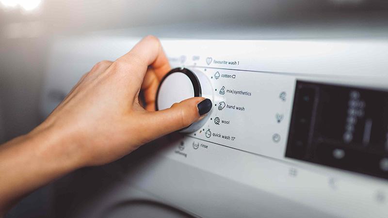راهنمای کامل آشنایی با کلمات روی ماشین لباسشویی