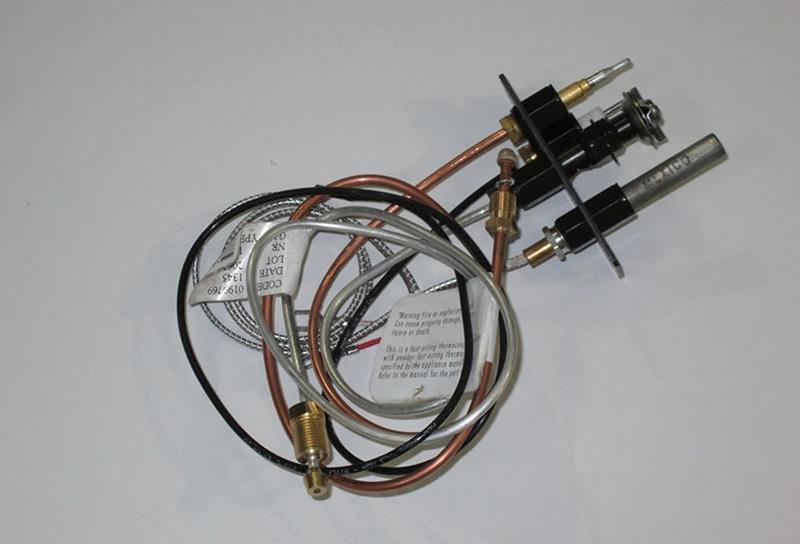 ترموکوپل قطعه ای که در همه لوازم گازسوز وجود دارد؛ یک قطعه استوانهای به طول ۱۰ سانتیمتر که به یک سیم مسی ۳ تا ۵ سانتیمتری وصل شده است.