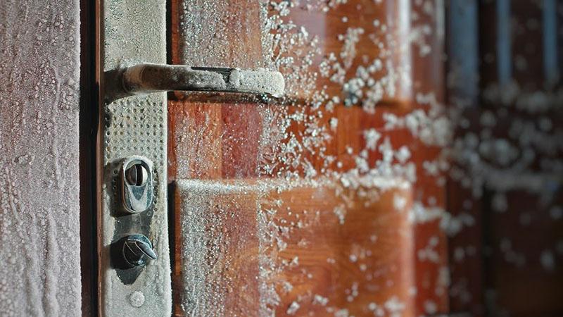تعمیر قفل در یخ زده