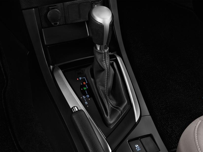 برای دنده عقب با گیربکس cvt باید ماشین را ابتدا متوقف کنید و بعد روی دنده عقب تنظیم کنید.