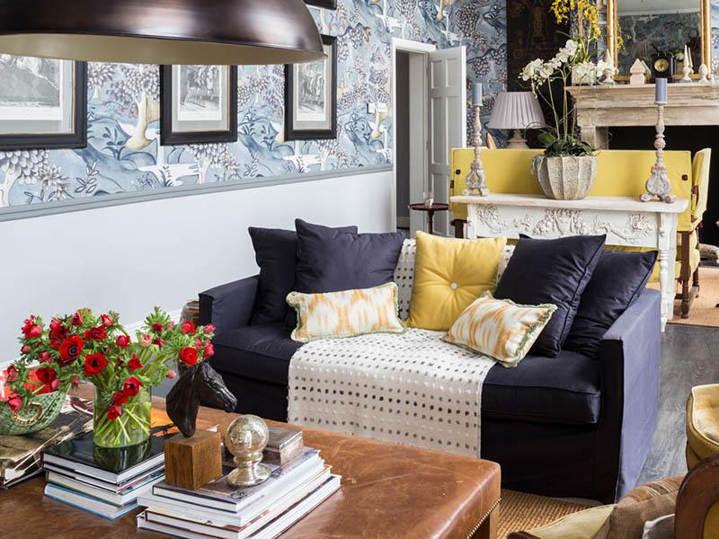 استفاده از الگوهای مختلف در قسمتهای خانه و به کار نبردن یک ریتم خاص امسال به یکی از جدیدترین ایده های دکوراسیون داخلی تبدیل شده است.