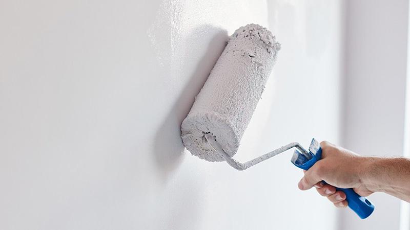 برای اینکه روی دیوار حمام بخار ایجاد نشود و یا کپک نزند، بهتر است که از پرایمرهای مخصوص استفاده کنید.