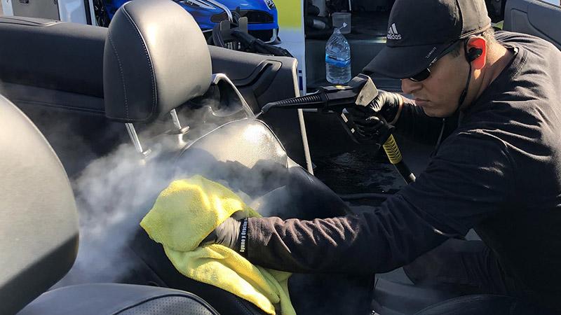 ضدعفونی خودرو با خدمات کارواش چگونه است؟ خدمات کارواش ضدعفونی کامل خودرو با دستگاه و مواد ضد عفونی کننده مناسب | مراحل ضدعفونی خودروی شخصی