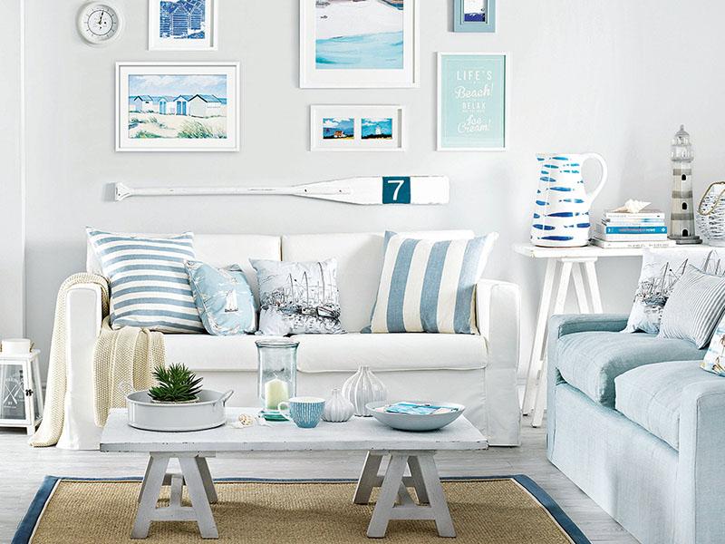 استفاده از وسایل دکوراتیو میتواند فضایی دلچسب را در منزل شما ایجاد کند. رنگ سفید در دکوراسیون منزل به شما این فرصت را میدهد تا از طیف گستردهای از رنگها و طرحهای وسایل دکوراتیو استفاده کنید.