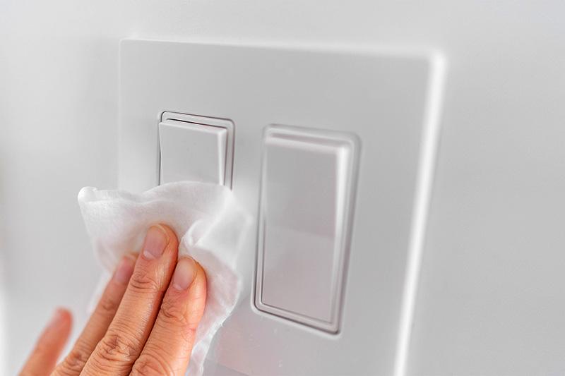 نکات بهداشتی ضدعفونی سطوح اتاق خواب بیمار مبتلا به کرونا | چگونه خانه را در مقابل ویروس کرونا ضدعفونی کنیم؟ چگونه محل نگهاری بیمار کرونایی را ضدعفونی کنیم؟