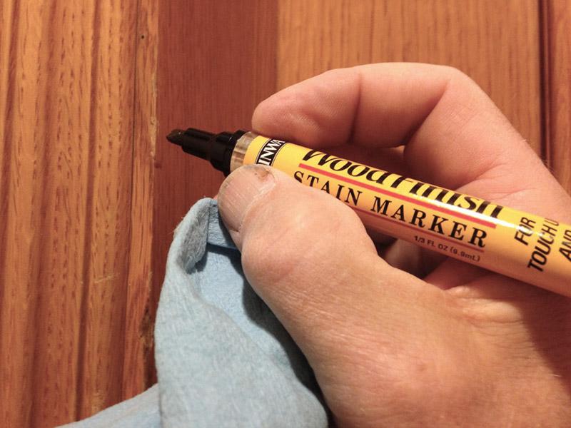 برای رفع خط و خش بدنه کابینت از ماژیک همرنگ و ضدخش استفاده نمایید.