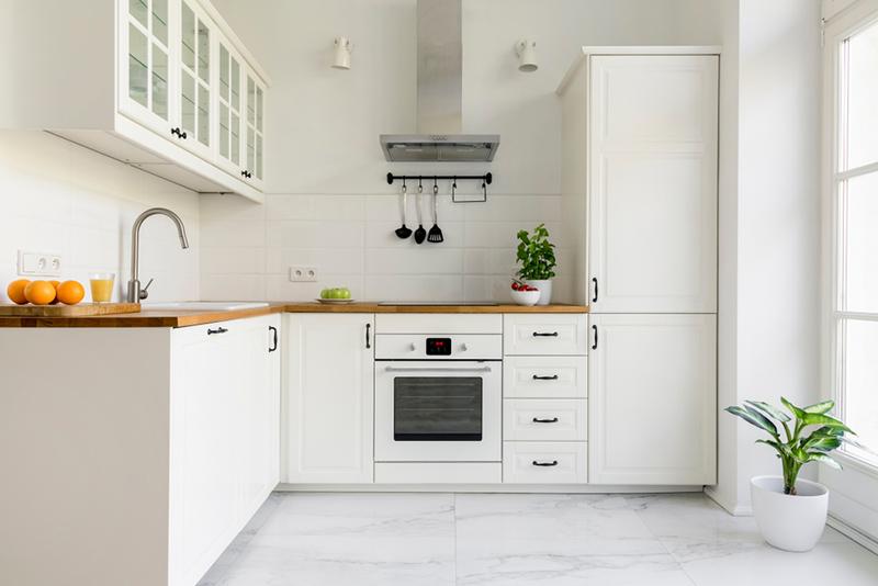 انتخاب بهترین رنگ دکوراسیون آشپزخانه کوچک و مدرن
