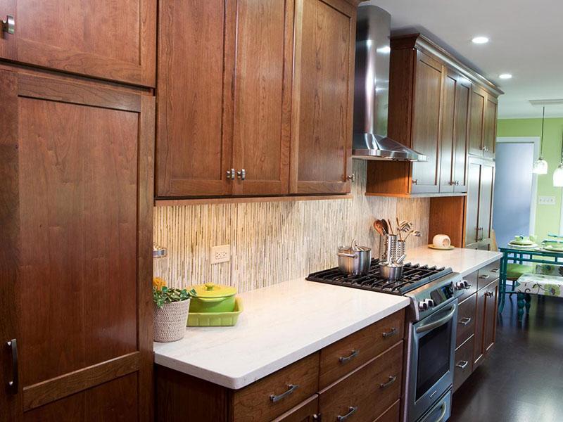 دکوراسیون آشپزخانه چوبی لوکس و مدرن