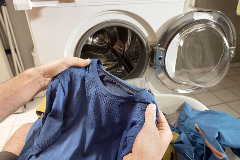 چگونه لباسهای حساس را بشوییم؟