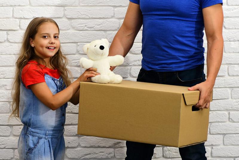مراقبت از کودکان هنگام اسبابکشی منزل و پیشگیری از چند اشتباه اثاثکشی در کرونا