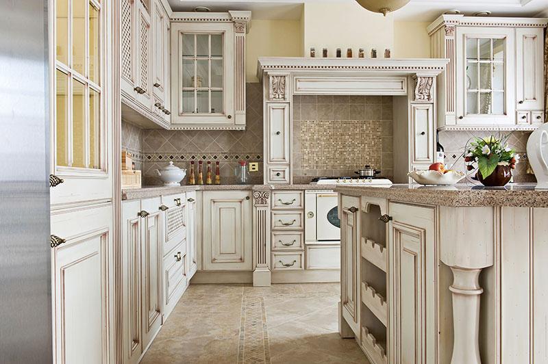 دکوراسیون آشپزخانه کلاسیک باطراحی زیبا و جذاب